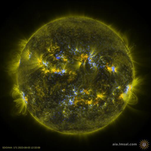 Солнечная корона, композитное изображение HMI и 171 Å