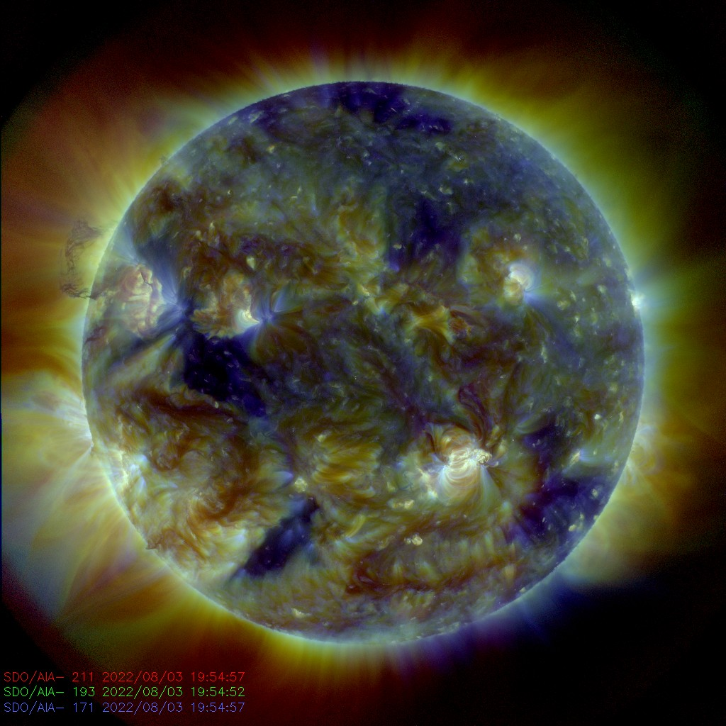 Northern Lights Forecast - SDO 211, 193, 171 Composite