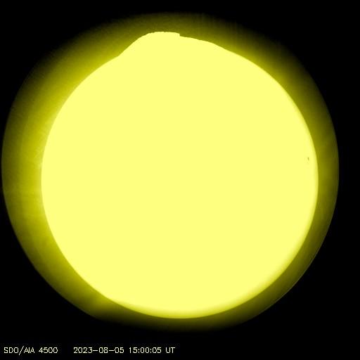 Slunce ve viditelné části spektra.